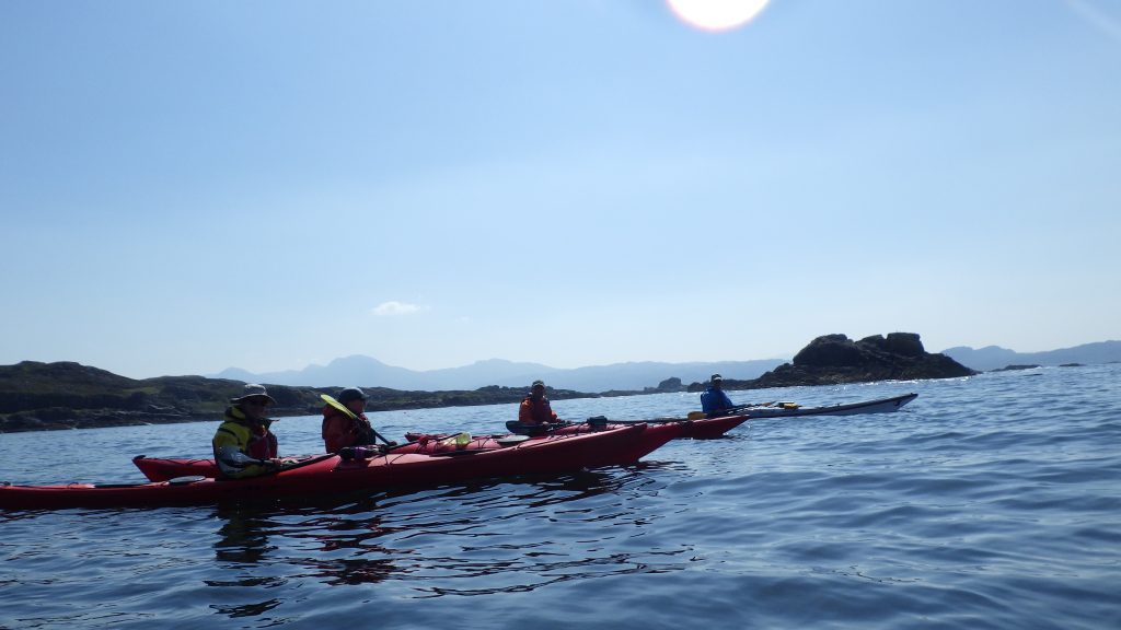 Sea kayaking the sound of Arisaig with discovery kayaking.co.uk